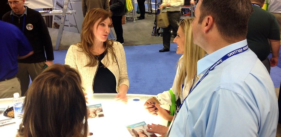 Amy signs autographs at Sherwin Williams National Sales Conference